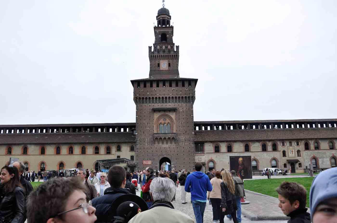 (Deutsch) Castello Sforzesco & Parco Sempione